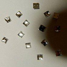 Iný materiál - Našívacie kamienky štvorcové kryštál 6mm - 6679446_