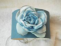 - Náramok kožený, modrá ruža - 6676675_