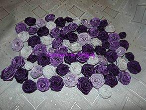 Materiál ručne robený - Ružičky zo saténovej stuhy.. - 6682119_