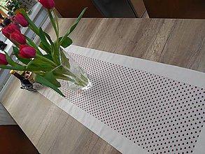 Úžitkový textil - štóla na stôl 40x140cm ľanovo béžová s bordovými srdiečkami - 6685814_