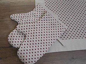 Úžitkový textil - chňapka s motivom jemného srdiečka na ľanovom podklade - 6687039_