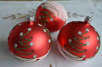 Dekorácie - Guličky na stromček s motívom vianočného stromčeka - 6685404_