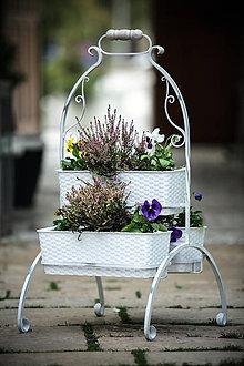 Nádoby - kovový stojan na kvety - 6692016_