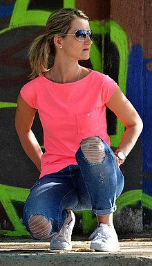 Tričká - Volné tričko s kapsičkou - ve 4 jasných barvičkách - 6691477_