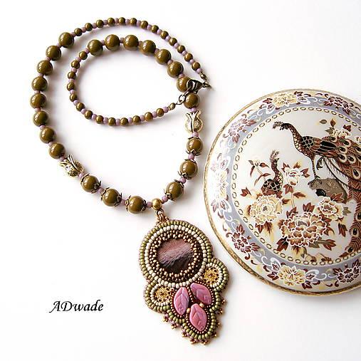 Korálkový náhrdelník 589-0029