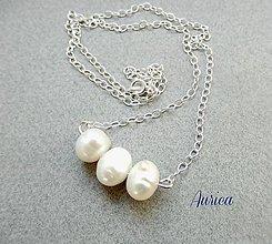 Náhrdelníky - Strieborný náhrdelník s perlami - 6700030_