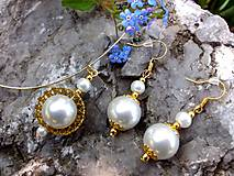 sada - náušnice a náhrdelník s bielymi perličkami