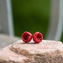 Náušnice - Červené napichovačky mini - chirurgická oceľ - 6713487_