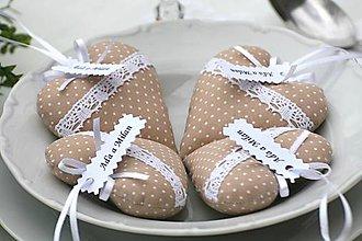 Darčeky pre svadobčanov - Bežové srdiečka - 6716095_
