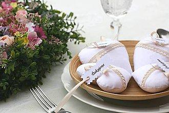 Darčeky pre svadobčanov - Biele srdiečka - 6716297_