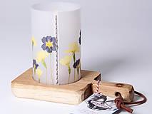 Svietidlá a sviečky - Robustus Svietnik s kvetinovým tienidlom - jarné kvietky - 6722755_