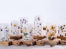 Svietidlá a sviečky - Robustus Svietnik s kvetinovým tienidlom - jarné kvietky - 6723100_