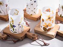 Svietidlá a sviečky - Robustus Svietnik s kvetinovým tienidlom - jarné kvietky - 6723101_
