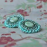 ...mint earrings