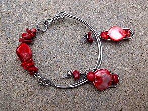 Sady šperkov - oceľová sada náramok + náušnice s červeným    korálom a  nugetom - 6727449_