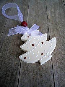 Dekorácie - Stromček vianočný ozdobený - 6729493_