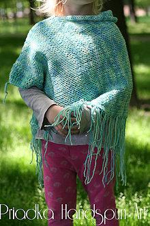 Detské oblečenie - Svetrík-pončo z ručne farbenej merino vlny - 6734857_