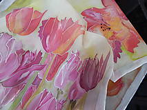 Hodvábny šál Tulipány