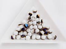Korálky - Lucerny(pyramídky) 03000/22201 - Chalk White Azuro, 6mm, bal.40ks - 6738490_