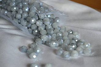 Korálky - Korálky sklenené brúsené 8mm šedý alabaster, 0.60€/10ks - 6744593_