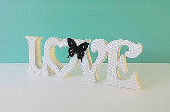 Tabuľky - Nápis LOVE s motýlikom - 6748267_