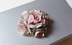 Krabičky - Darčeková krabička S ružičkami šedá. - 6755240_
