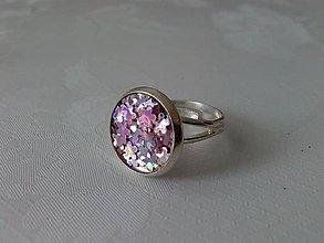 Prstene - Rhódiovaný trblietavý prsteň - 6758439_