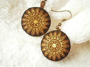Náušnice - Náušnice kožené, slniečka zlaté - 6757550_