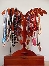 Stojan na náhrdelníky a bižutériu 4 lístkový - typ A