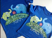Originálne maľované tričká so sloníkmi hrajúcimi futbal a nápismi Veľký braček a Malý braček (Na tmavých tričkách)