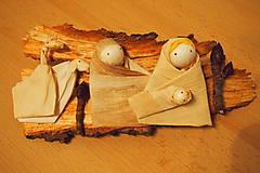 Betlehem na kôre dreva – šúpolie, kôra