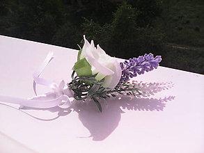 """Pierka - Svadobné pierko pre ženícha """"Biele a fialové kvietky..."""" - 6776601_"""
