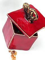 dóza - červeno kovová