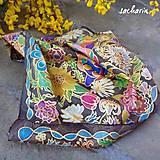 Šatky - Zaplavená kvetenou-hodvábna šatka - 6795025_