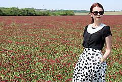 Sukne - Čierno-biela sukňa s guľkami - 6795746_