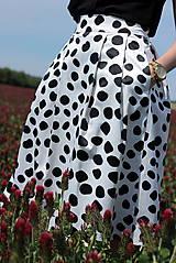 Sukne - Čierno-biela sukňa s guľkami - 6795747_