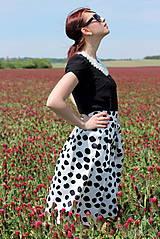 Sukne - Čierno-biela sukňa s guľkami - 6795749_