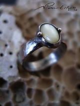 Prstene - Prsteň s perleťou - 6798559_