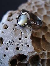 Prstene - Prsteň s perleťou - 6798766_
