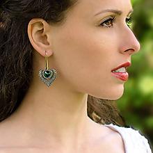 Náušnice - šité náušnice SRDCE (Emerald) - 6804229_
