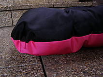 Pre zvieratká - Pelech pre psa z vodeodolnej látky, ružovo-čierny, 70 x 100 cm - 6802470_