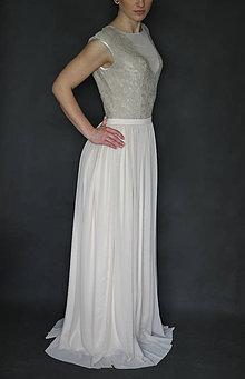 Šaty - Elastické spoločenské šaty z tylu a krajky holý chrbát rôzne farby - 6803166_