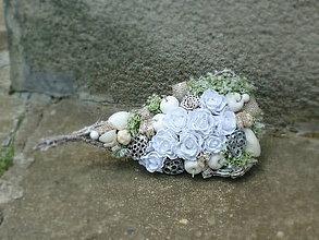 Dekorácie - Prírodná dekorácia s bielymi ružami,.... - 6810241_