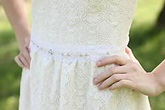 Ozdoby do vlasov - Biela čelenka čipkovaná na svadbu - 6810812_