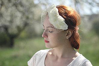 Ozdoby do vlasov - Svadobný závoj s kvetmi - 6809632_