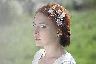 Ozdoby do vlasov - Svadobná ozdoba do vlasov - vetvička s kvetmi - 6813448_