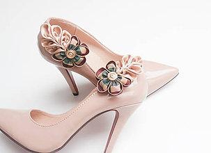 Obuv - Elegantné klipy na topánky béžové s vintage gombíkom - 6828300_