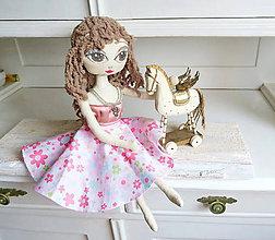 Bábiky - Dievčenská bábika Monika - 6830112_