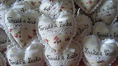 Darčeky pre svadobčanov - Svadobné srdiečka - 6830698_