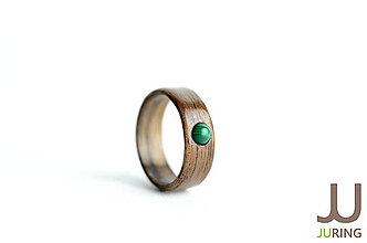 Prstene - Drevený prsteň Americký orech + malachit - 6835605_